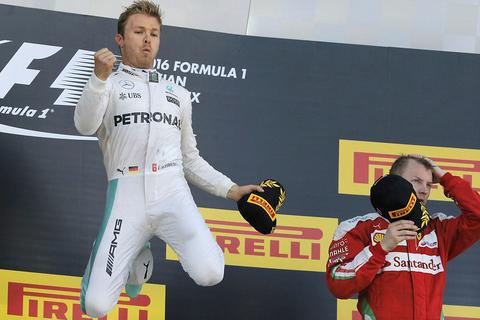 Rosberg tiếp tục thống trị F1 2016