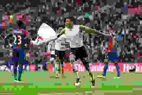 10 người MU hạ gục Crystal Palace, vô địch FA Cup