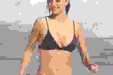 """Cựu """"thiên thần"""" Miranda Kerr nuột nà giữa biển xanh"""