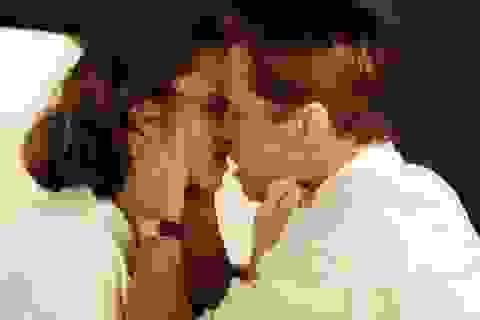 Người tình tin đồn của Brad Pitt thừa nhận mang bầu và viết tâm thư