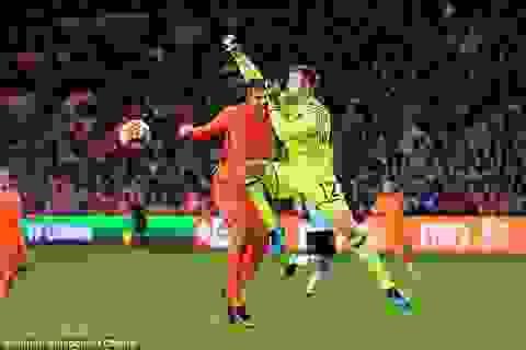 Carrasco giúp Bỉ thoát thua Hà Lan