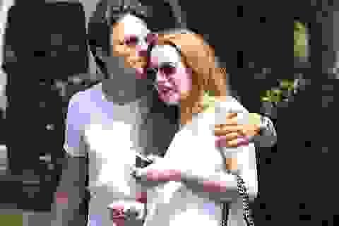 Bạn trai kém 7 tuổi mê mẩn Lindsay Lohan
