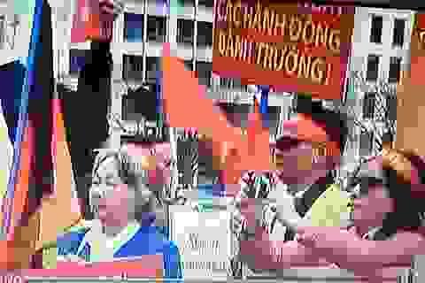 """""""Thăm dò"""" dầu khí hay """"thăm dò"""" ý chí Việt Nam?"""
