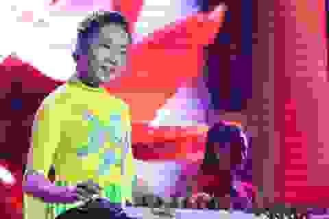 Nữ sinh thế hệ 2k khoe tài chơi nhạc dân tộc điêu luyện