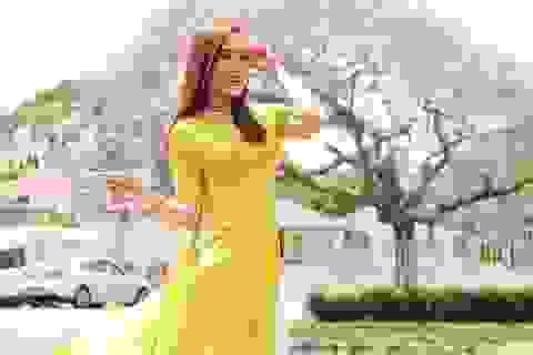 """Nữ DHS Úc xinh đẹp mang áo dài Việt """"phủ sóng"""" khắp năm châu"""