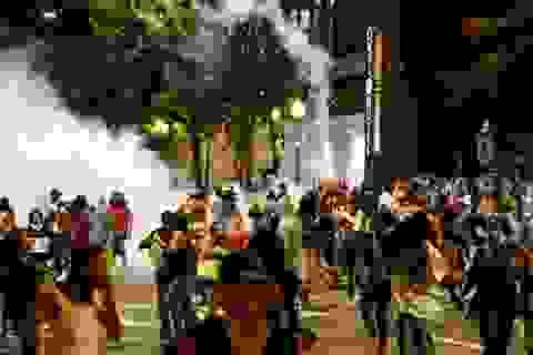 Mỹ ban bố tình trạng khẩn cấp do bạo loạn bùng phát