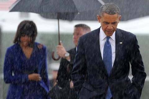 Sự khác biệt giữa Barack Obama và Donald Trump qua hai bức ảnh