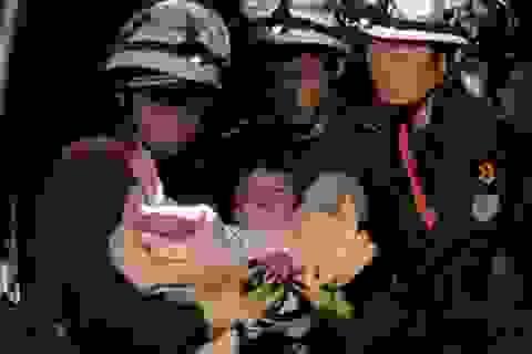 Khoảnh khắc bé 8 tháng tuổi được cứu sống trong vụ động đất ở Nhật Bản