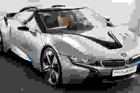 BMW sẽ ra mắt phiên bản mui trần của siêu xe i8