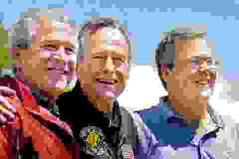 """Chấm dứt """"triều đại"""" Bush"""
