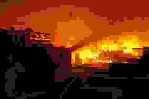 Hà Nội: Cháy lớn tại khu công nghiệp Ngọc Hồi