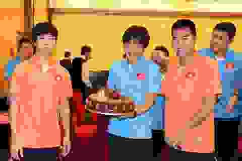 Công Phượng nhận quà sinh nhật trước trận gặp U23 UAE