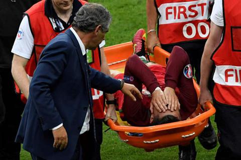 C.Ronaldo trị chấn thương bằng… nhau thai tại Euro 2016