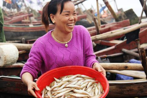 Vụ dân đòi bờ biển: Chỉ đầu tư 2 bến neo đậu