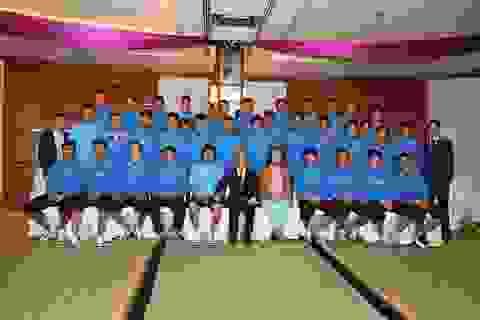 Đại sứ Việt Nam tại Qatar động viên thầy trò HLV Miura