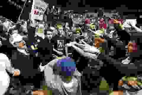 Bầu cử Mỹ: Ẩu đả ở Chicago thách thức cam kết đoàn kết của ông Trump