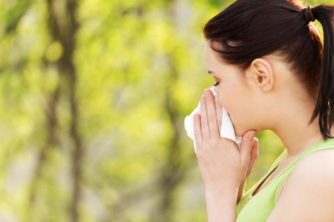 Mẹo giảm triệu chứng dị ứng trong mùa hè
