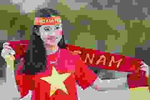 Tiết lộ bất ngờ về fan nữ đẹp lai Tây tại AFF cup 2016