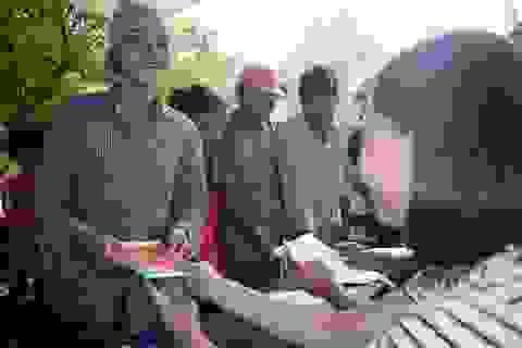 Hòa Phát tặng quà cho đồng bào lũ lụt Quảng Bình