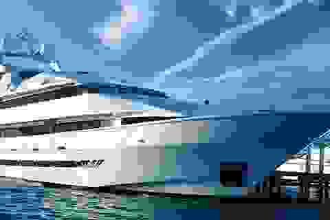 """Kinh tế suy giảm, giới nhà giàu vẫn """"đua"""" mua sắm du thuyền"""