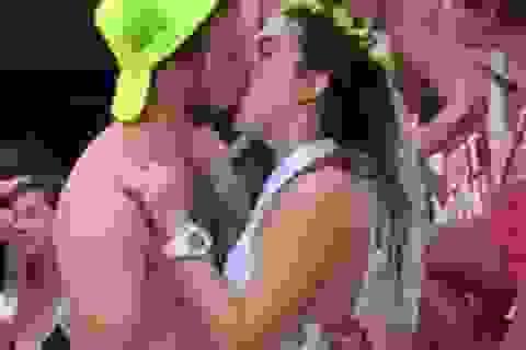 Bị hủy hôn vì lộ clip hôn trai lạ ngay trước ngày cưới
