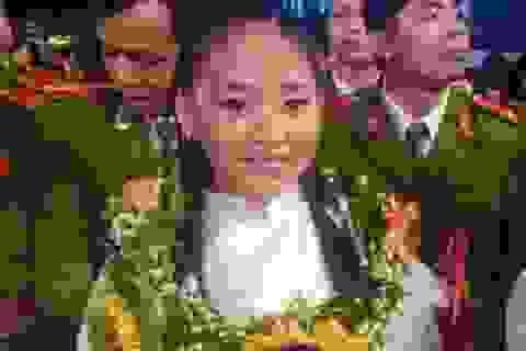 9 tuổi, 103 huy chương