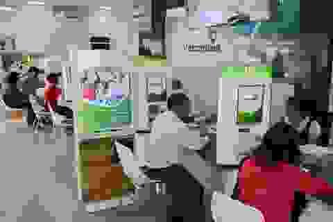 """""""Ông lớn"""" Vietcombank bất ngờ giảm sâu lãi suất cho vay"""