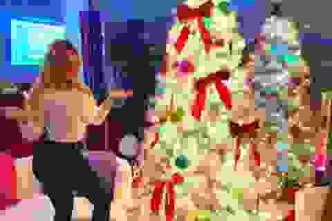 """""""Sao"""" tưng bừng đón Giáng sinh"""