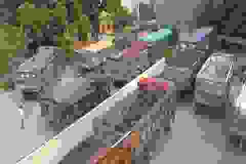 Lập biên bản hơn 900 ô tô chở hàng quá tải trọng