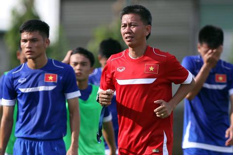 HLV Hoàng Anh Tuấn chia tay học trò cưng ở U22 Việt Nam