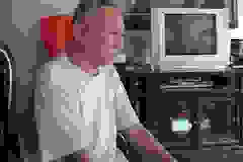 Chuyện cụ ông 78 tuổi tự học tiếng Anh qua... Google