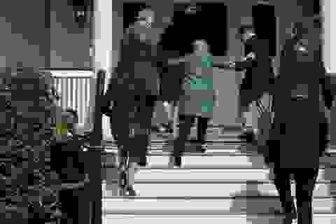 Rò rỉ email tiết lộ chấn động về sức khỏe của bà Clinton
