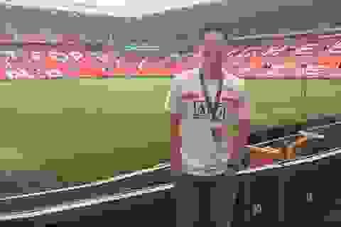 """Chàng trai Việt làm việc tại """"thánh địa"""" Old Trafford của MU"""
