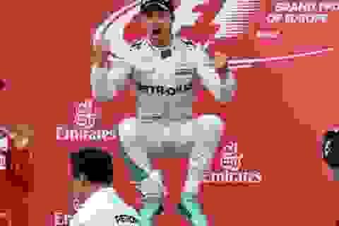 Nico Rosberg giành chiến thắng tuyệt đối tại Baku
