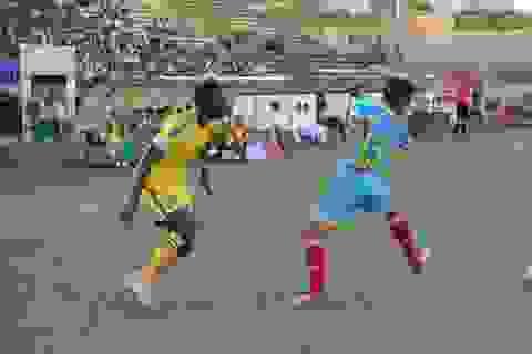 HLV Ngô Quang Trường thất vọng với cầu thủ SL Nghệ An