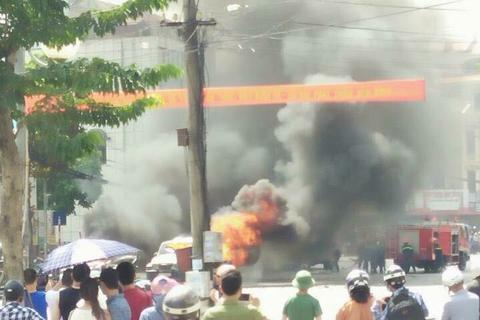 Nhân chứng vụ nổ taxi kể thời khắc nghe tiếng nổ như bom