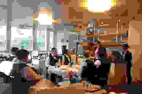 Hội thảo du học Thuỵ Sĩ, gặp tổng giám đốc tập đoàn Swiss Touches Hotels