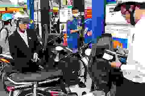 Thuế môi trường với xăng E5, doanh nghiệp hỏi một đằng, Bộ Tài chính trả lời một nẻo