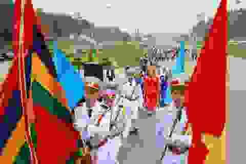 Doanh nghiệp Việt dâng hương quốc tổ và báo công tại Đền Hùng