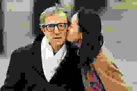 """""""Tỉnh bơ"""" trước dư luận, Woody Allen vẫn sống hạnh phúc cùng con gái nuôi"""