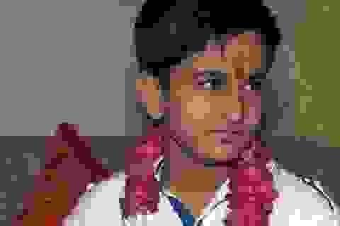 Sửng sốt cậu bé 12 tuổi tốt nghiệp THPT