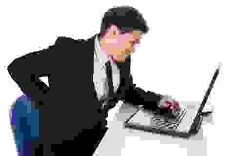 Dân văn phòng bị đau lưng, cần giải pháp gì?