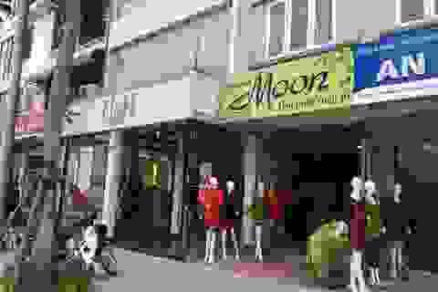 """Phố kiểu mẫu Lê Trọng Tấn: Nhiều cửa hàng bỏ """"đồng phục biển hiệu"""""""