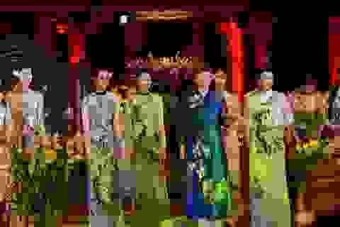Người phụ nữ Nga duyên dáng trong tà áo dài Việt
