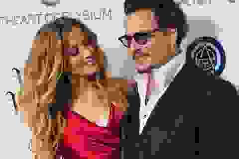 Johnny Depp vẫn chưa chi tiền cho vợ cũ