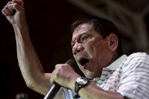 Tổng thống Philippines thách CIA lật đổ ông