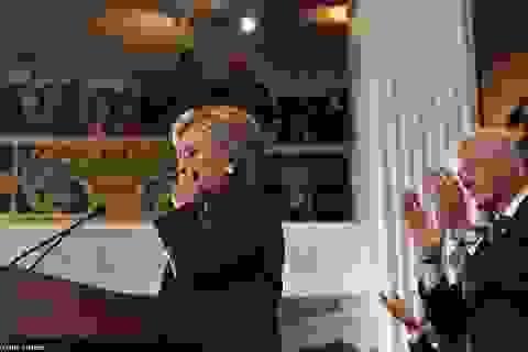 Bà Clinton nghẹn ngào thừa nhận thất bại