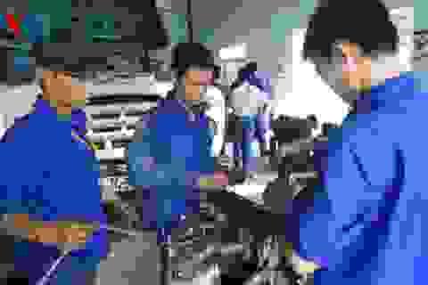Giáo dục không thay đổi, lao động VN sẽ bị mất việc ngay trên sân nhà