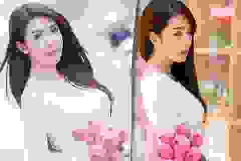 Hot girl Linh Napie e ấp bên sen hồng