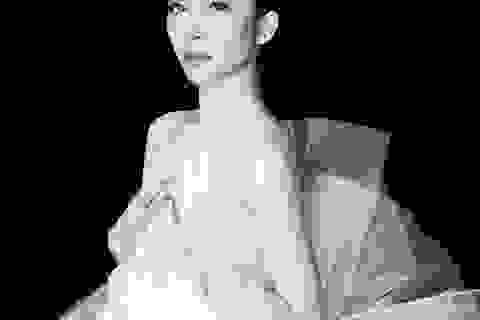 Linh Nga làm nàng thơ trong fashion show The Dream of Santorini
